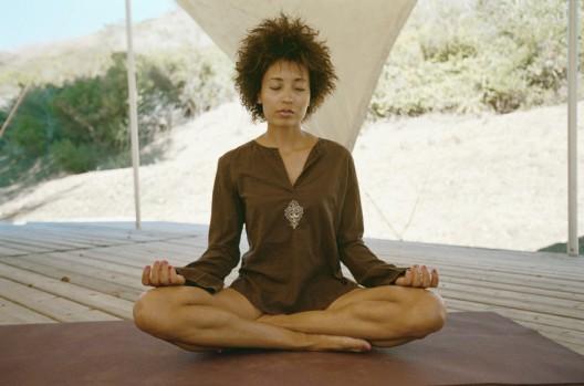 mediation-africanamericanwoman-desert-850x563